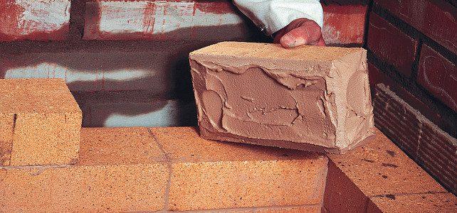 Можно ли класть кирпич на глину