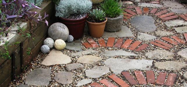 Можно ли вместо тротуарной плитки использовать кирпич