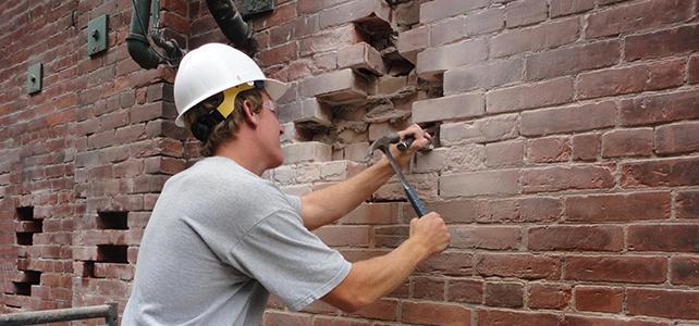 Можно ли заменить кирпич в стене